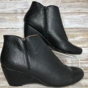 Natural Soul Evans 9M Black Wedge Ankle Boot